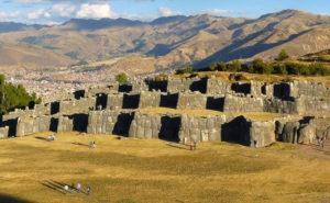 La-Fortaleza-de-Sacsayhuaman-4_0